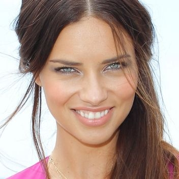 adriana-lima-eye-makeup-square-w352
